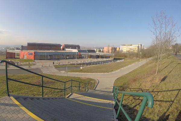 bazén Šutka - pohled od silnice